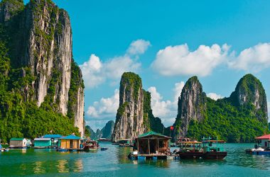 All backpackers want to know on the trip to Halong