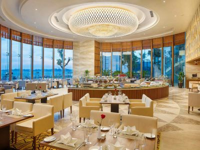 Wyndham Legend Halong's restaurants