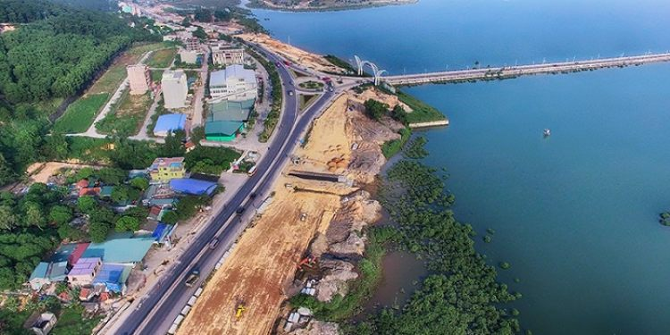 The first 10 lanes road of Ha Long - Quang Ninh