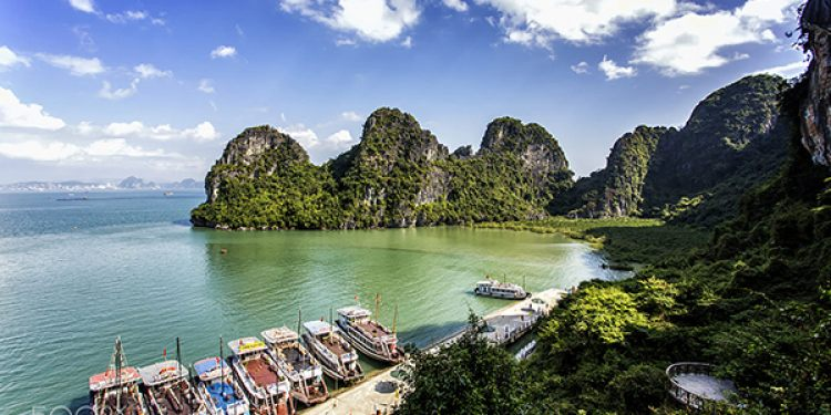 What should I buy as gifts on visiting Halong Bay?