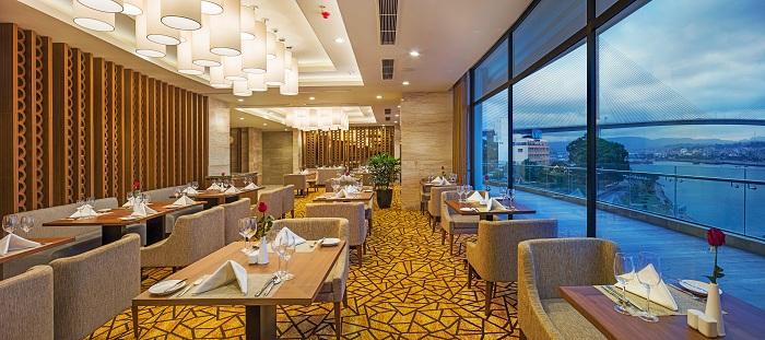 Tổng hợp những câu hỏi về khách sạn 5 sao Hạ Long Wyndham Legend 1