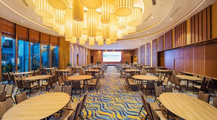 Tổng hợp những câu hỏi về khách sạn 5 sao Hạ Long Wyndham Legend 3