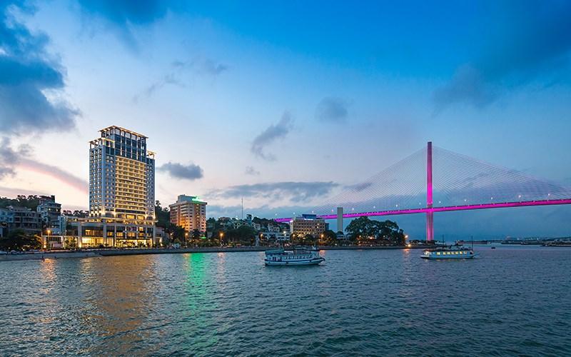 """Khách sạn Hạ Long có view """"chất nhất quả đất"""" đáng đến một lần1"""