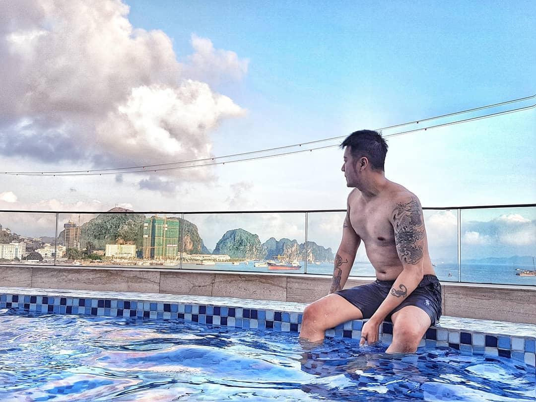 Bể bơi khách sạn Wyndham Legend Hạ Long - Top 1 khách sạn tại Bãi Cháy