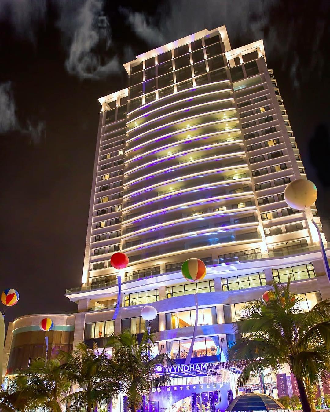 Top 1 khách sạn cao cấp tại Bãi Cháy - Wyndham Legend Hạ Long