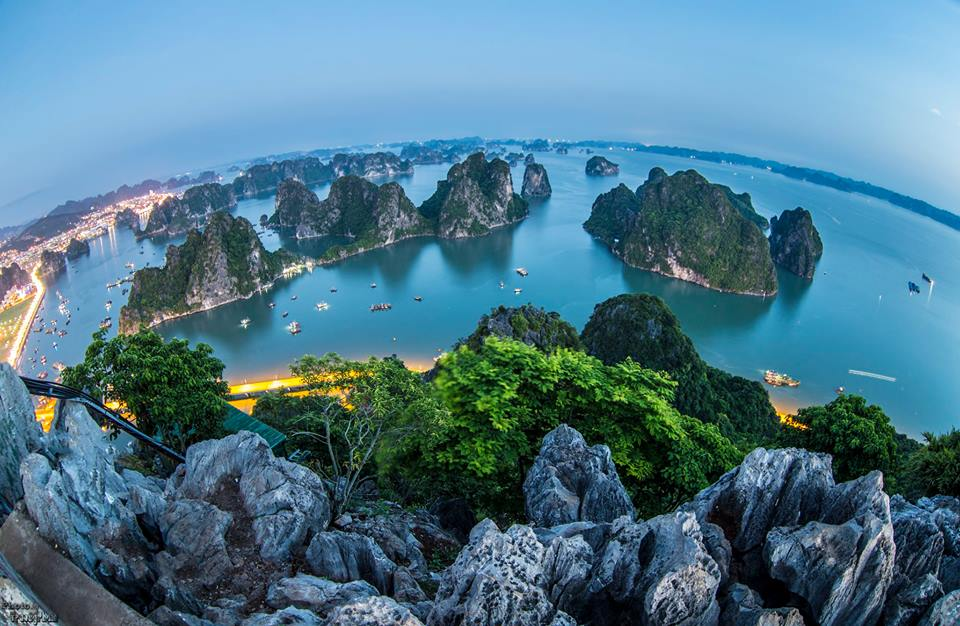 The overview picture of Ha Long from the peak of Bai Tho mountain.