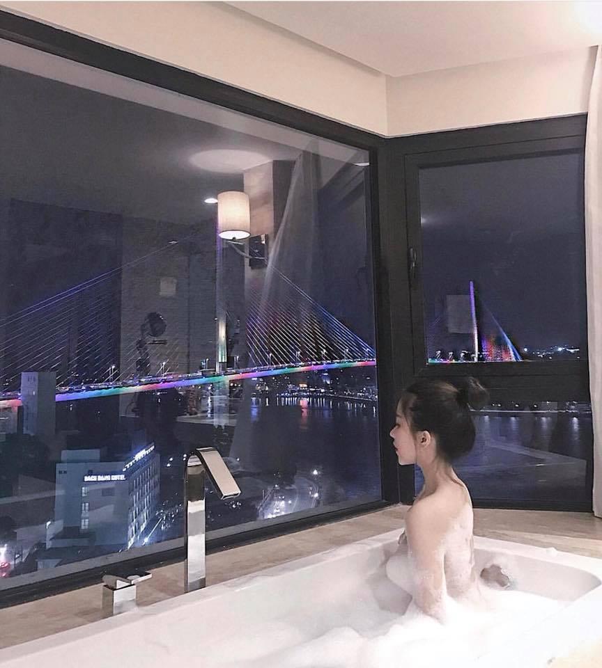 Phòng tắm khách sạn Wyndham Legend Halong