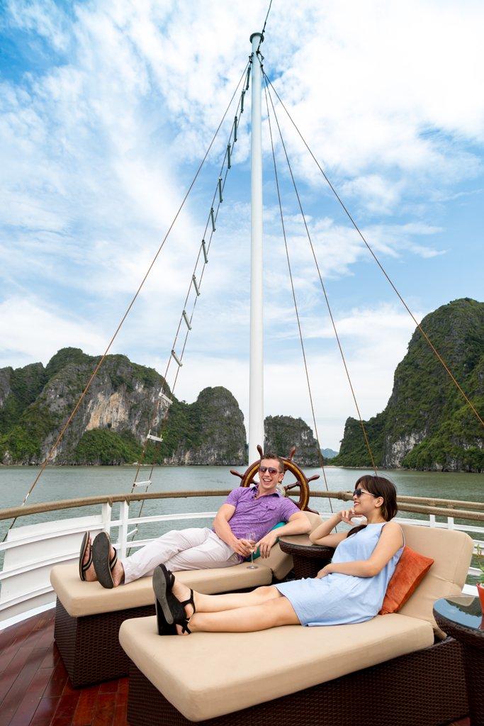 Tour Giá Rẻ Trong Nước - 7 Trải Nghiệm Thú Vị Tại Vịnh Hạ Long